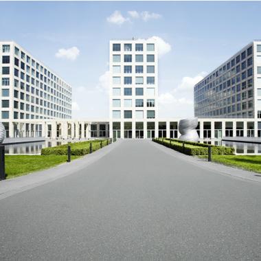 Barmenia Versicherungen: Vorderansicht der Hauptverwaltungen in Wuppertal.