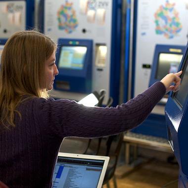 Arbeiten an den VBZ Billettautomaten