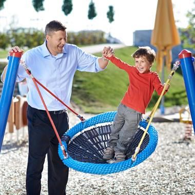 Mit flexiblen Arbeitszeitmodellen kommen wir Eltern entgegen.