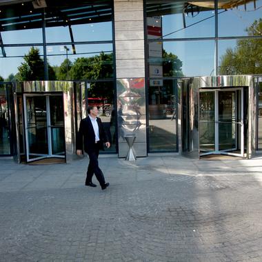 Der Hamburger Haupteingang zur Acando Denkfabrik.