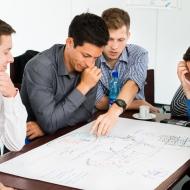 ERNI Group: ERNI Mitarbeiter beim Service@Work